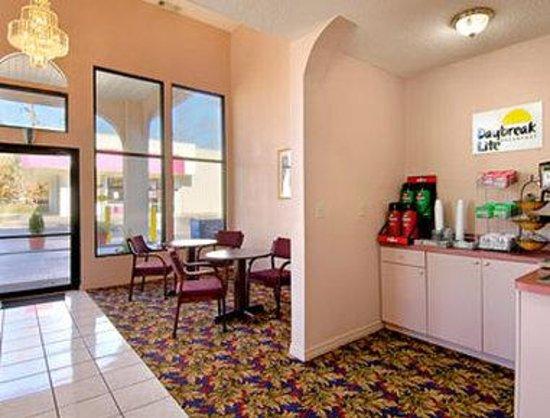 Days Inn Jackson : Breakfast Area