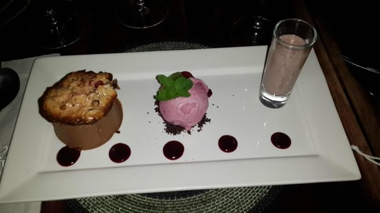 Zinzi: Chocolate Mousse dessert