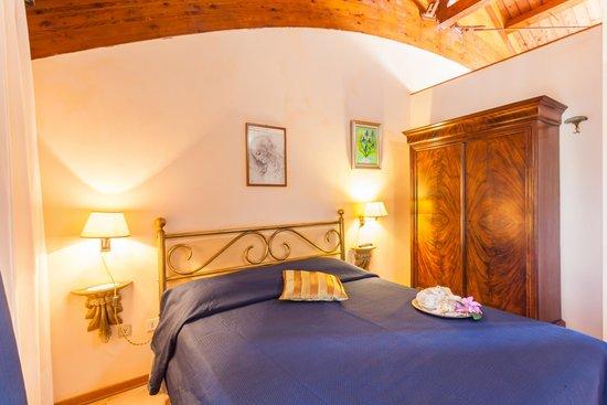 Agriturismo Cavendo Tutus: Camera da letto / Bedroom 2