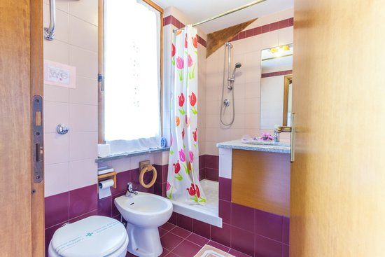 Agriturismo Cavendo Tutus: Bagno / Bathroom 3