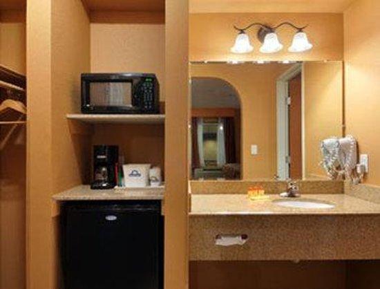 Days Inn Lubbock South: Bathroom