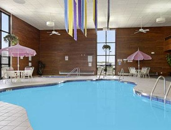 Days Inn and Suites Wausau