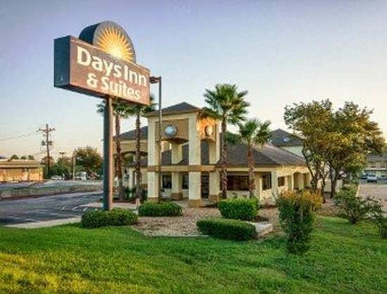 Days Inn Suites By Wyndham Huntsville Updated 2018 Prices Hotel Reviews Tx Tripadvisor