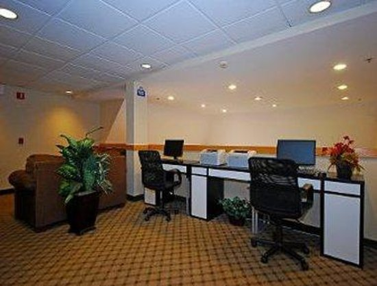 Days Inn Pittsburgh Airport: Business Centre