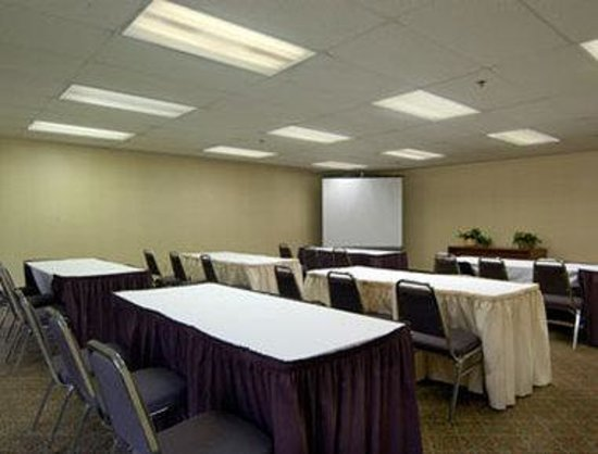 ‪‪Days Inn Pittsburgh Airport‬: Meeting Room‬