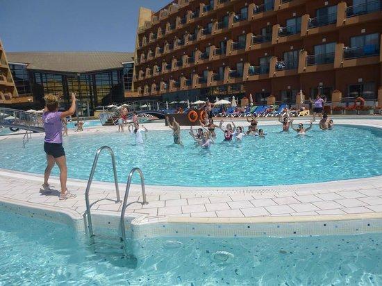 Protur Roquetas Hotel & Spa: fun in the pool aqua gym