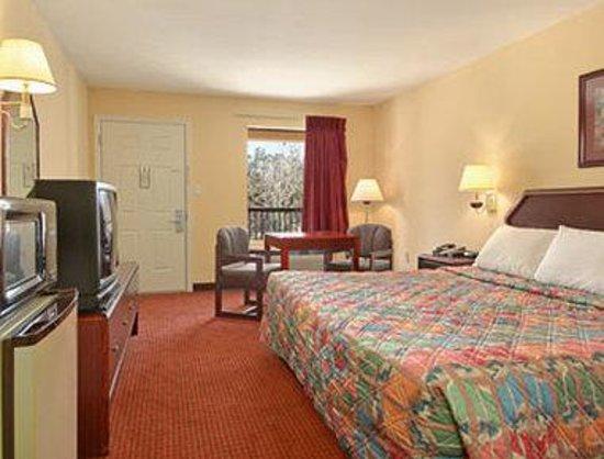 Days Inn Ocean Springs: Standard King Bed Room