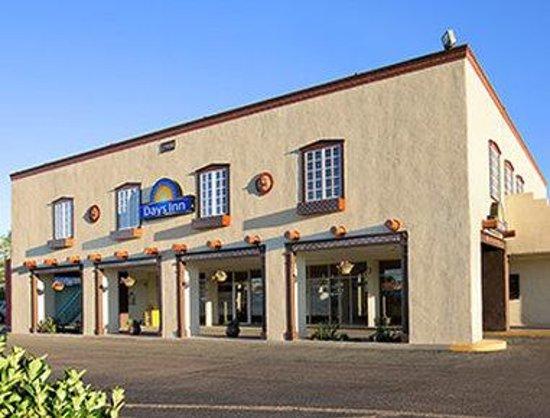 Days Inn Santa Fe New Mexico: Welcome to the Days Inn Santa Fe-Cerrillos Rd