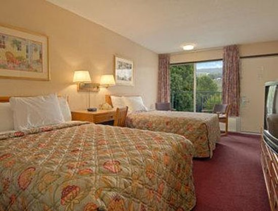 Days Inn Lexington: Standard Two Double Bed Room