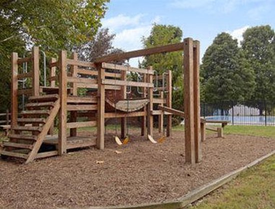 Days Inn Lexington, N Lee Highway: Playground