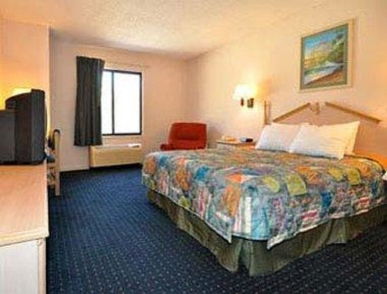 Days Inn Panama City/Callaway: King Room