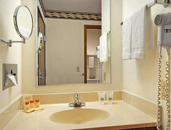 Days Inn Mexico: Bathroom