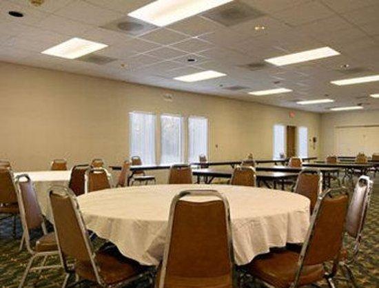 Sideways Inn: Banquet Room