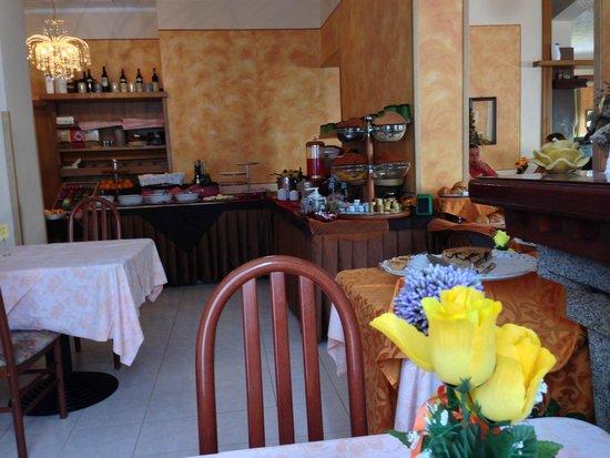 Hotel Cima d'Oro: Sala colazione