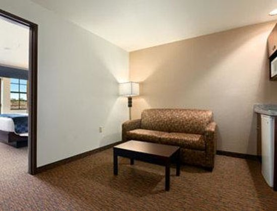 Days Inn & Suites Page Lake Powell : King Suite