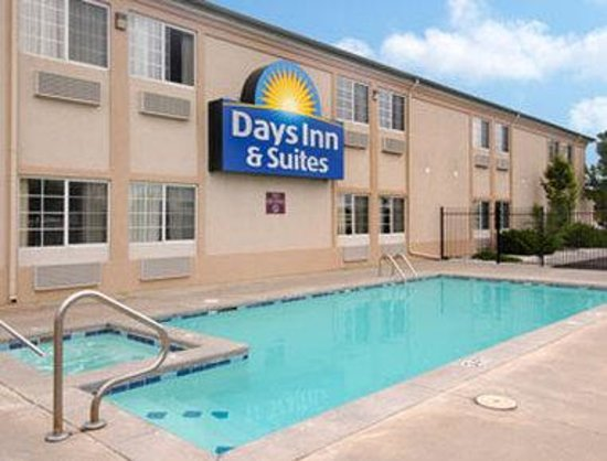 Photo of Days Inn & Suites Wichita