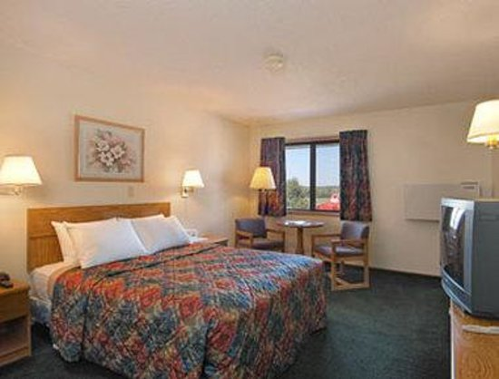 Days Inn Lincoln South : Standard Queen Bed Room