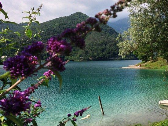 Hotel Cima d'Oro: Veduta sul lago di Ledro