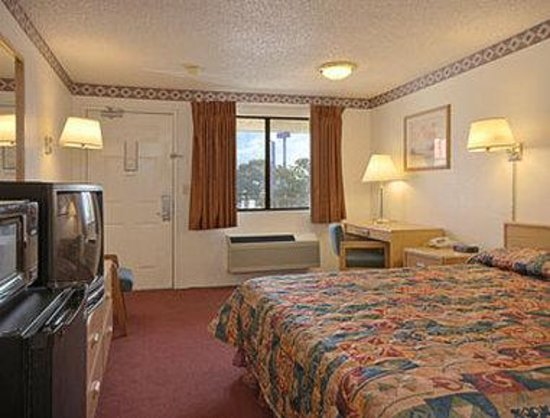 Days Inn Fresno South: Business Suite