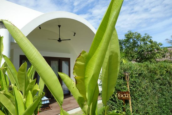 Navutu Dreams Resort & Wellness Retreat: entrance to our room