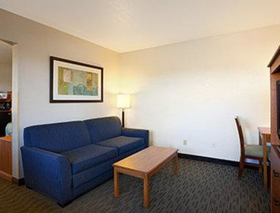 Days Inn Encinitas- Legoland Moonlight Beach : Suite