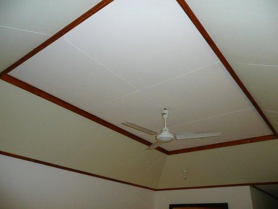 Sun Island Resort : Потолок в номере