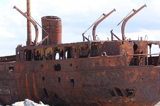 Plassey Wreck: Rusty Plassey