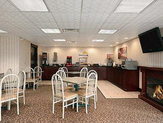 Days Inn Grantville: Breakfast Area
