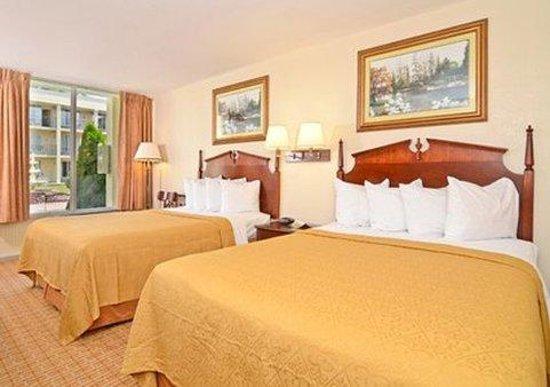 Quality Inn & Suites: 2 Queens