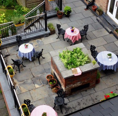 No. 1 Pery Square Hotel & Spa : Garden Area