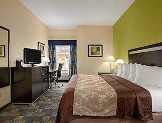 Days Inn & Suites Glenmont/albany: Standard King Bed Room