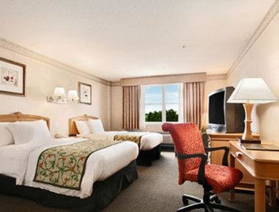 Days Hotel & Conference Center-Methuen: Standard Two Double Bed Room