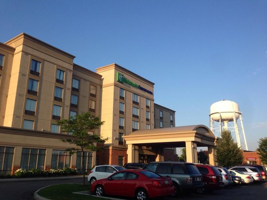 Holiday Inn Express Hotel & Suites Newmarket: Believe me, they won't run out of water!