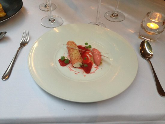 The Manor House Hotel: Rhubarb dessert - punches well above its weight