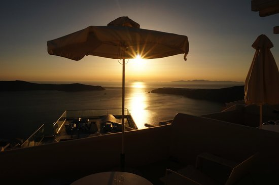 Galaxy Suites & Spa : sunset view from balcony