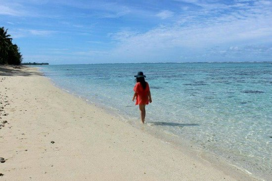 Cooks Bay Villas: Crystal clear water on our private beachfront
