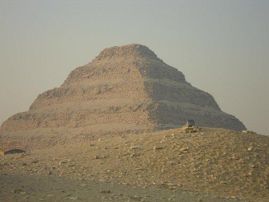 Saqqara (Sakkara) Pyramids: piramide escalonada