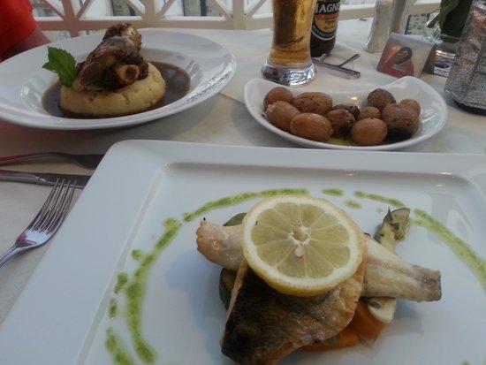 Restaurante Bailote: Sea bass