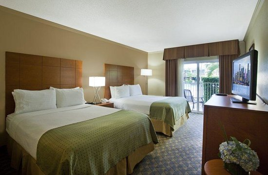 Holiday Inn Coral Gables - University: Two queen beds