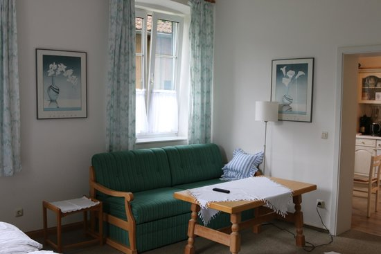 Villa Waldfrieden: The sofa and coffee table