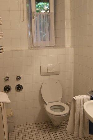 Villa Waldfrieden: Bathroom