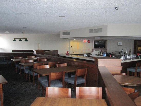 Holiday Inn Elmira Riverview: Anthony's Lounge
