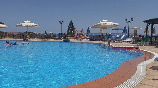 Middle pool at Marni Village