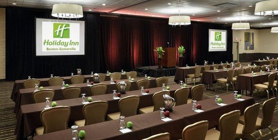 Holiday Inn Boston-Bunker Hill: Our Assembly Square Meeting Room Comfortably seats large parties.