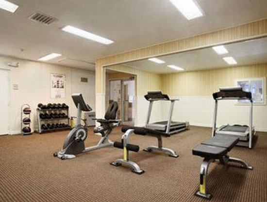 Ramada Ellsworth: Fitness Center