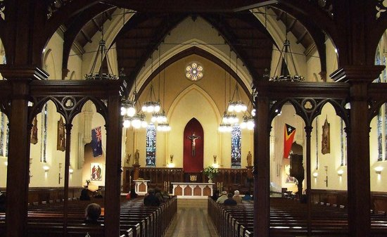 St. Patrick's Cathedral : view to the Altar