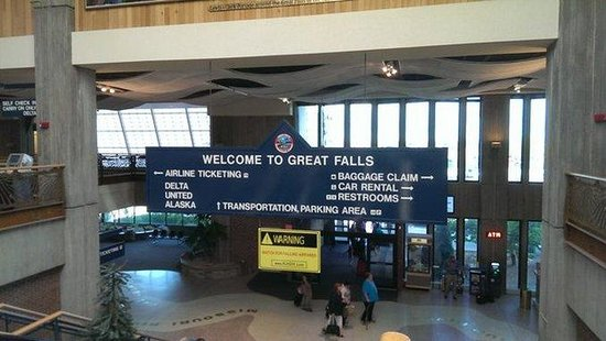 Holiday Inn Great Falls: Great Falls International Airport- Complimentary 24 hour shuttle.