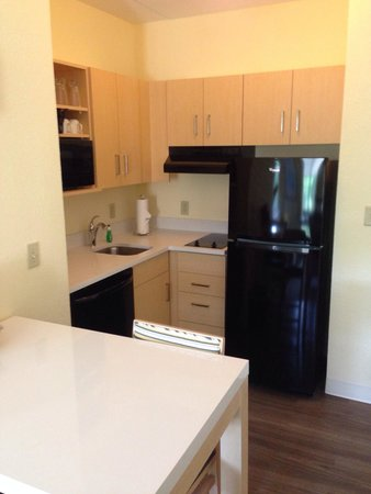 Sonesta ES Suites Parsippany : Newly Renovated studio Kitchen
