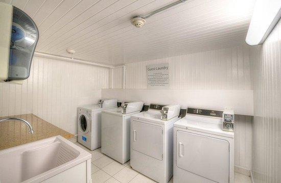 Holiday Inn Express San Diego N - Rancho Bernardo: Holiday Inn Express San Diego Hotel Rancho Bernardo Self Laundry