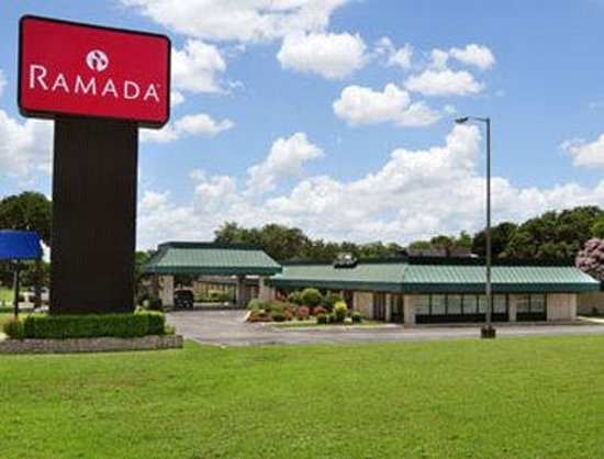 Welcome to the Ramada New Braunfels